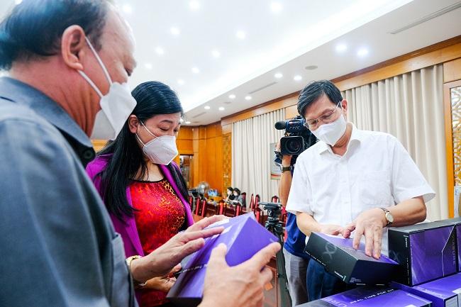 T&T Group tặng Hà Nội 1 triệu bộ kit xét nghiệm PCR Covid-19 để chống dịch