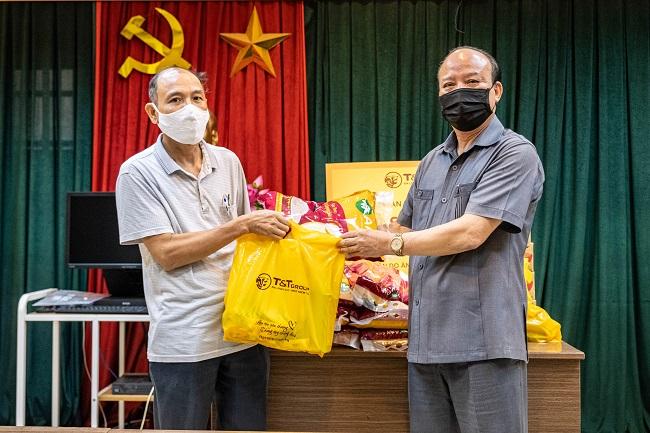 T&T Group tặng 3.000 suất quà cho người dân Hà Nội gặp khó do Covid-19