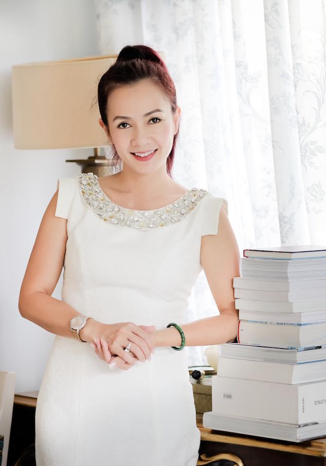 Tình như bolero bên trong nữ doanh nhân can trường Nguyễn Việt Hoà 3