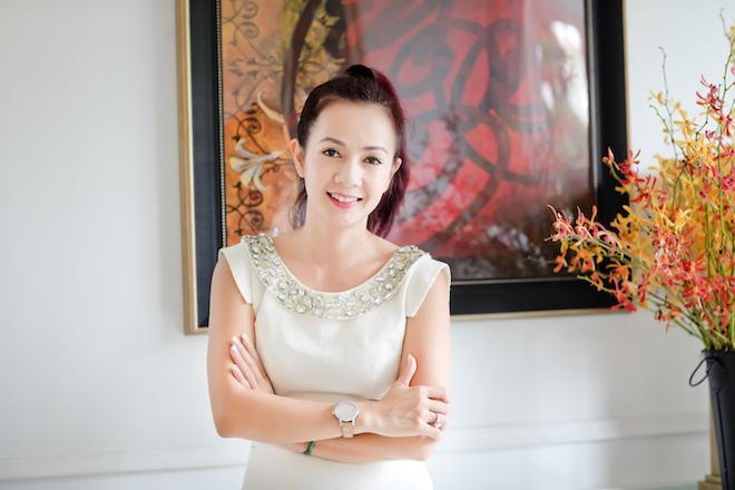Tình như bolero bên trong nữ doanh nhân can trường Nguyễn Việt Hoà