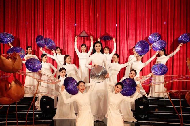Biểu diễn nghệ thuật 'Áo Dài Story' phục vụ du khách đến Đà Nẵng 3