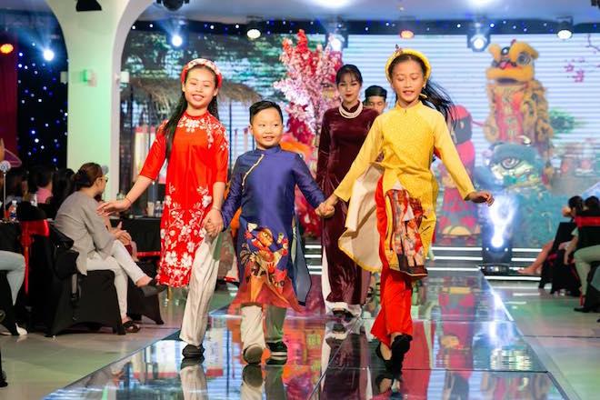 Biểu diễn nghệ thuật 'Áo Dài Story' phục vụ du khách đến Đà Nẵng 4