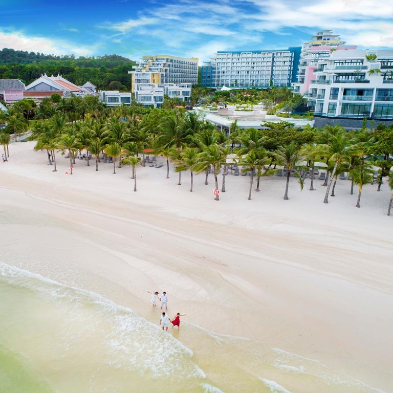 Bãi Kem lọt danh sách bãi biển đẹp nhất thế giới 6