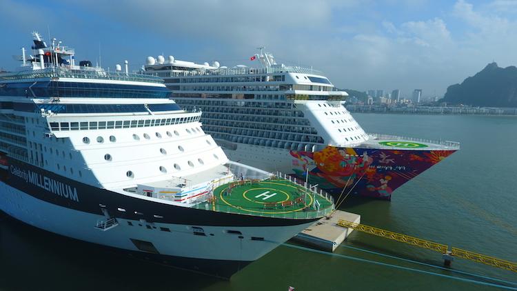 Hạ Long cùng lúc đón hai tàu khách du lịch quốc tế 5 sao 2