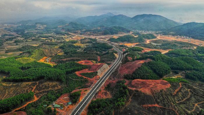 Cận cảnh 3 dự án giao thông trọng điểm của Quảng Ninh trước ngày khai trương 8