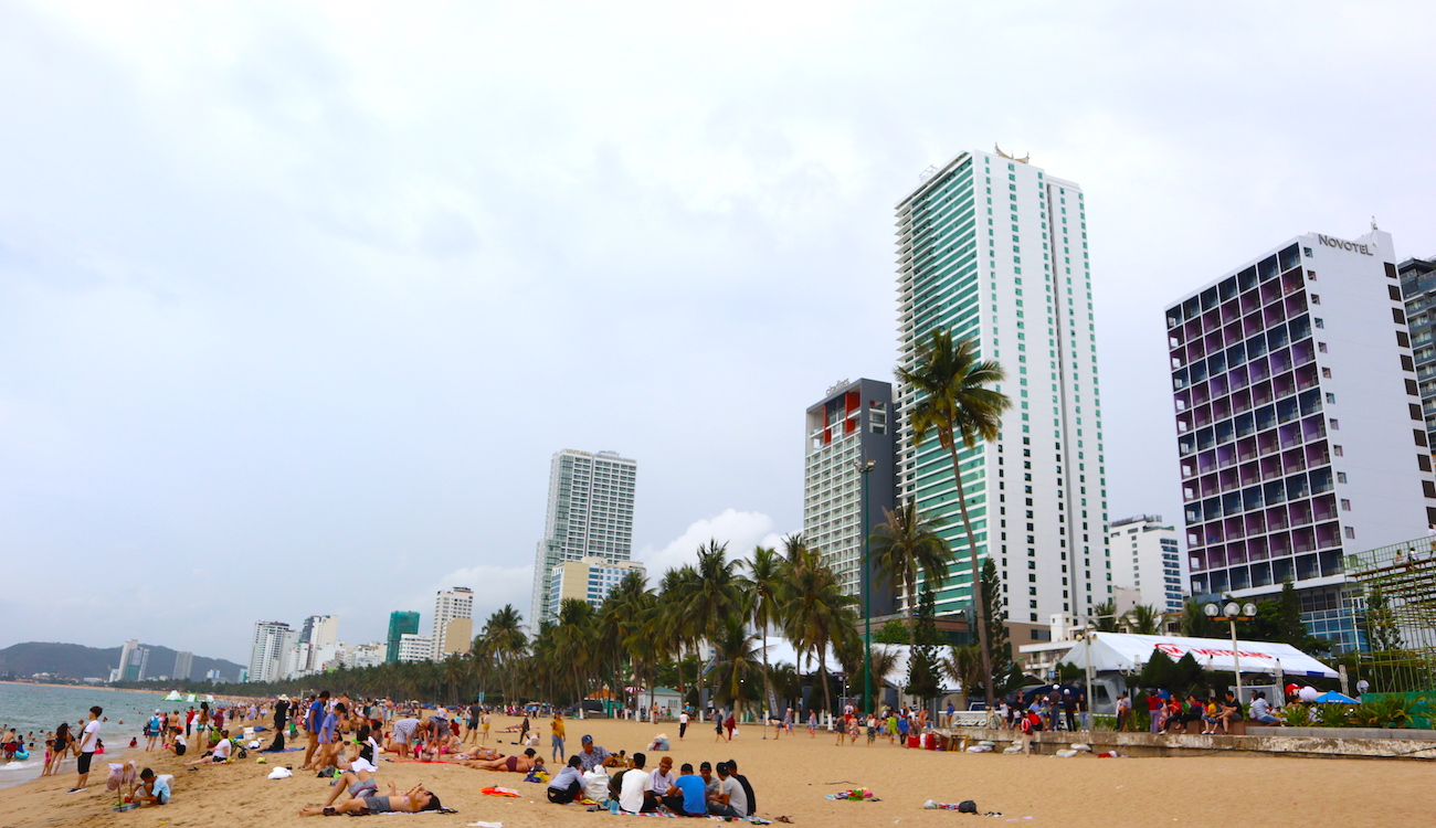 Những hình ảnh 'ngột ngạt' của phố biển Nha Trang 10