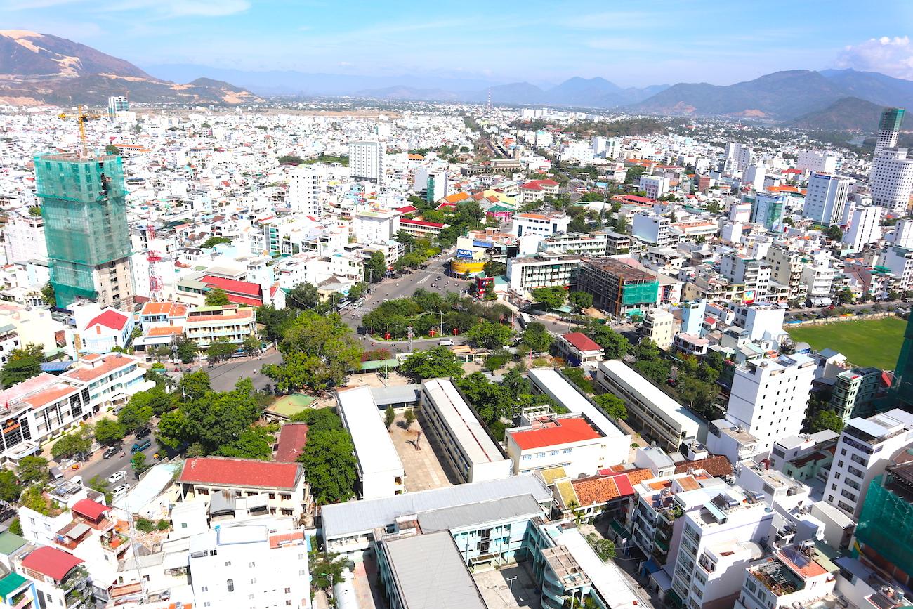 Những hình ảnh 'ngột ngạt' của phố biển Nha Trang 7