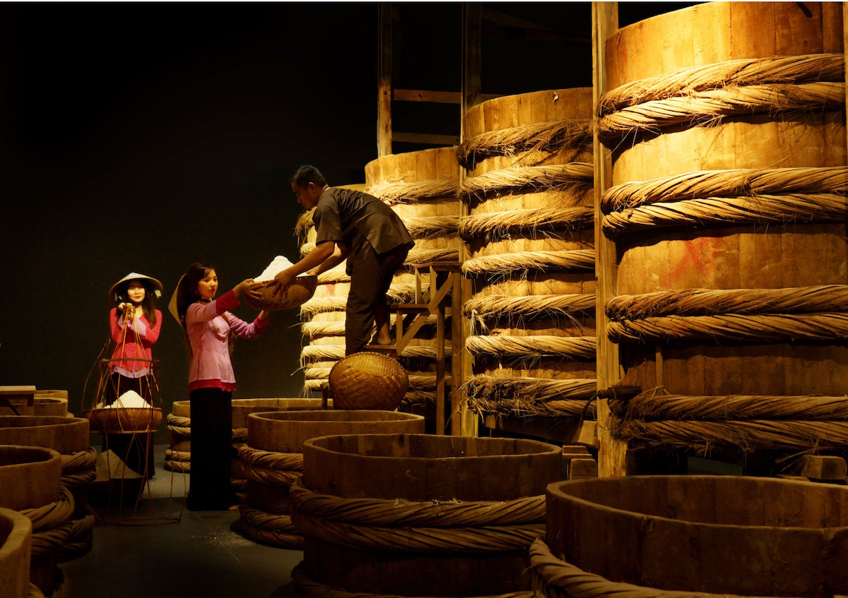 Người đầu tiên làm bảo tàng nước mắm tại Việt Nam