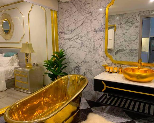 Bán đấu giá lâu đài dát vàng bên biển Hội An, giá khởi điểm 10 triệu USD