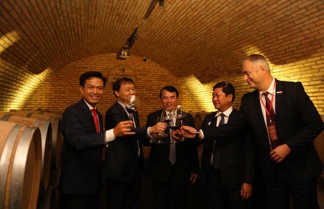 Khám phá hầm rượu vang chuẩn Châu Âu ở Đà Lạt