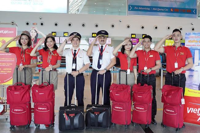Vietjet, Vietnam Airlines ứng phó với dịch Covid-19