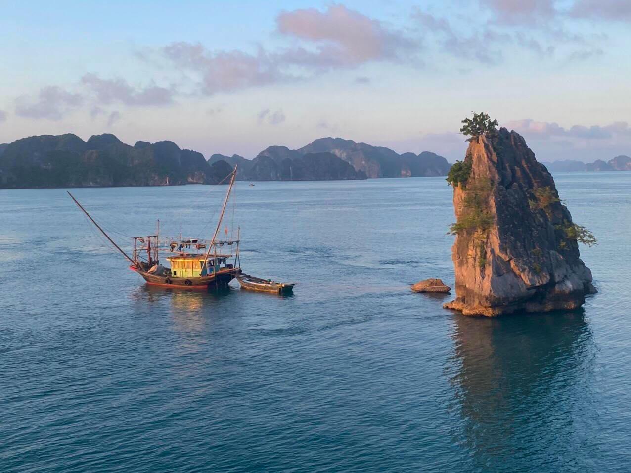 10 điều thú vị khiến du khách thích khám phá vịnh Lan Hạ hơn vịnh Hạ Long 7
