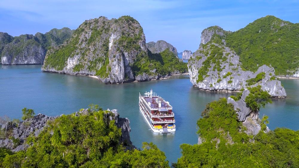 10 điều thú vị khiến du khách thích khám phá vịnh Lan Hạ hơn vịnh Hạ Long 2
