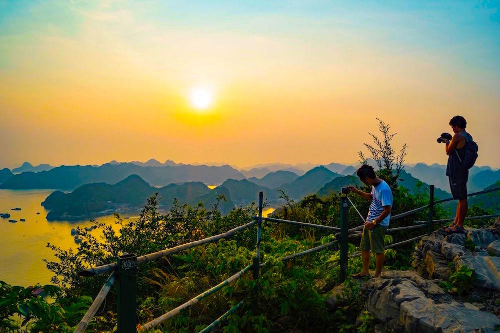 10 điều thú vị khiến du khách thích khám phá vịnh Lan Hạ hơn vịnh Hạ Long 1