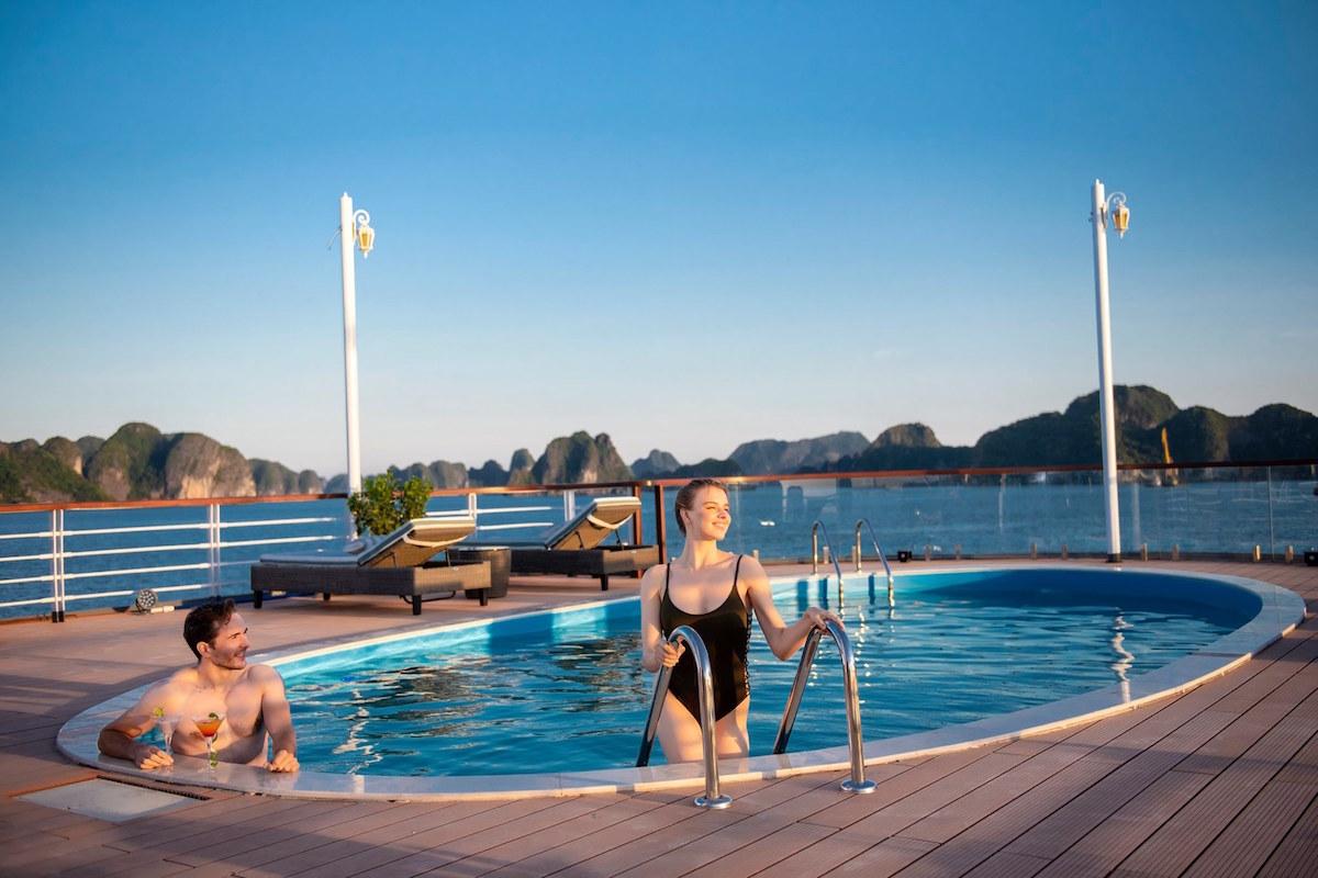 10 điều thú vị khiến du khách thích khám phá vịnh Lan Hạ hơn vịnh Hạ Long 5