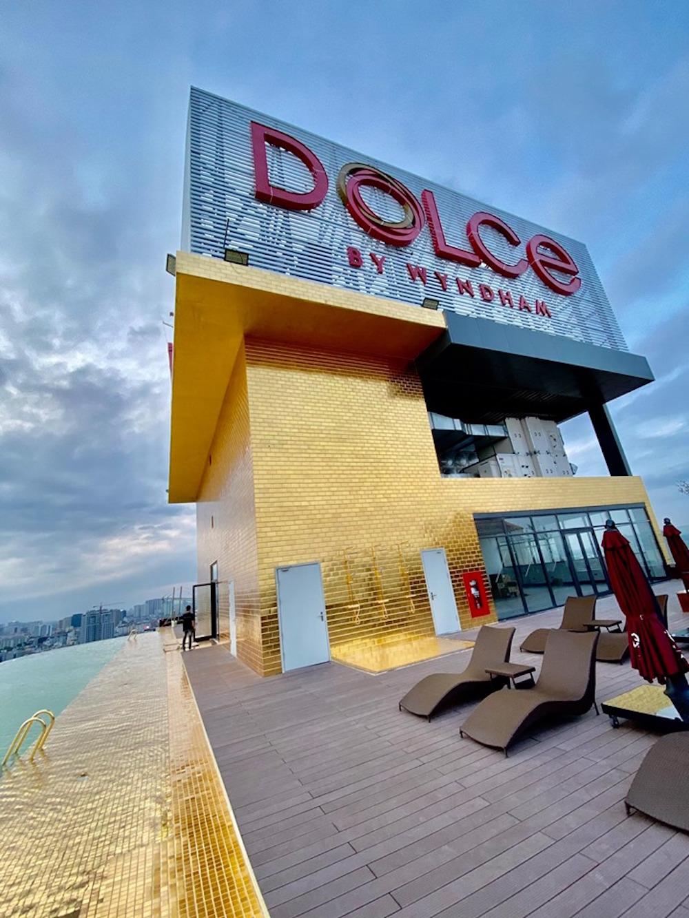 Khách sạn phủ vàng từ chân đế tới nóc sắp khai trương ở Hà Nội 13