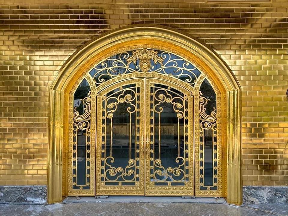 Chiêm ngưỡng khách sạn phủ vàng từ chân đế tới nóc sắp khai trương ở Hà Nội 1