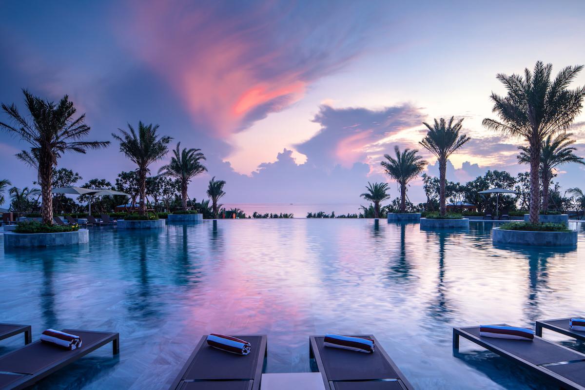 2 khu nghỉ dưỡng tại Cam Ranh đạt chuẩn 5 sao 5