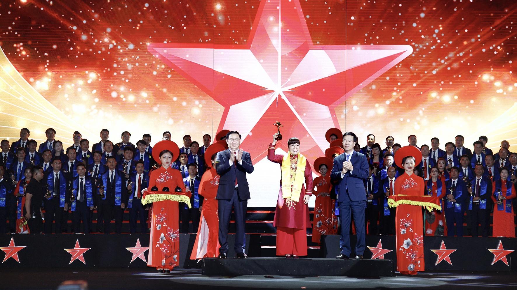 CEO Phuc Khang Corporation nằm Top 10 doanh nhân trẻ Sao Đỏ