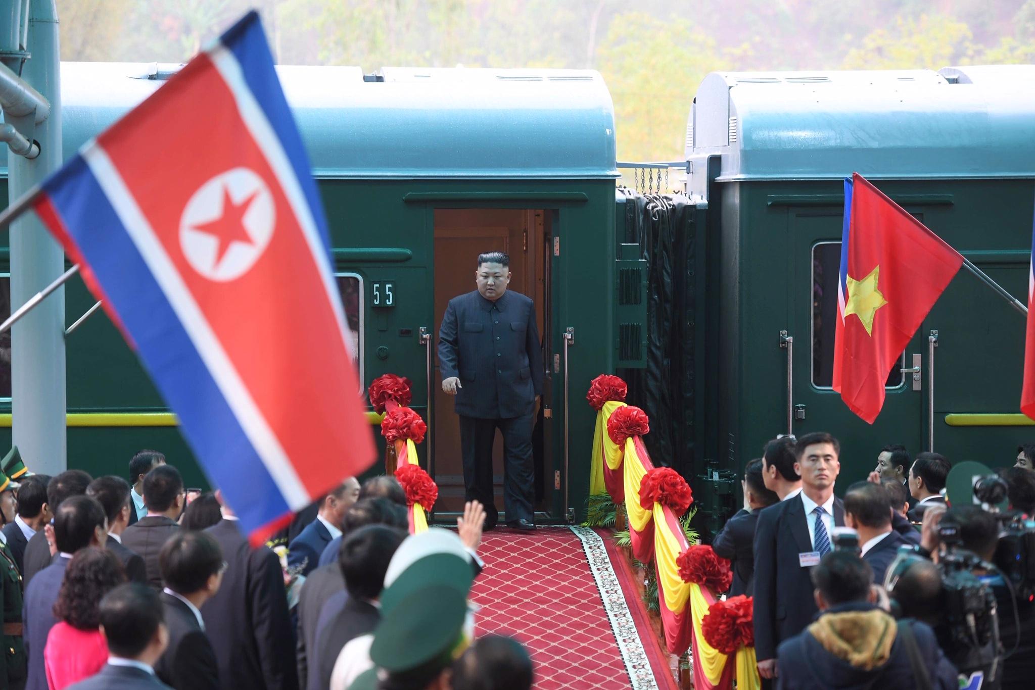 Những hình ảnh đầu tiên của Chủ tịch Triều Tiên Kim Jong-un tại Việt Nam 1