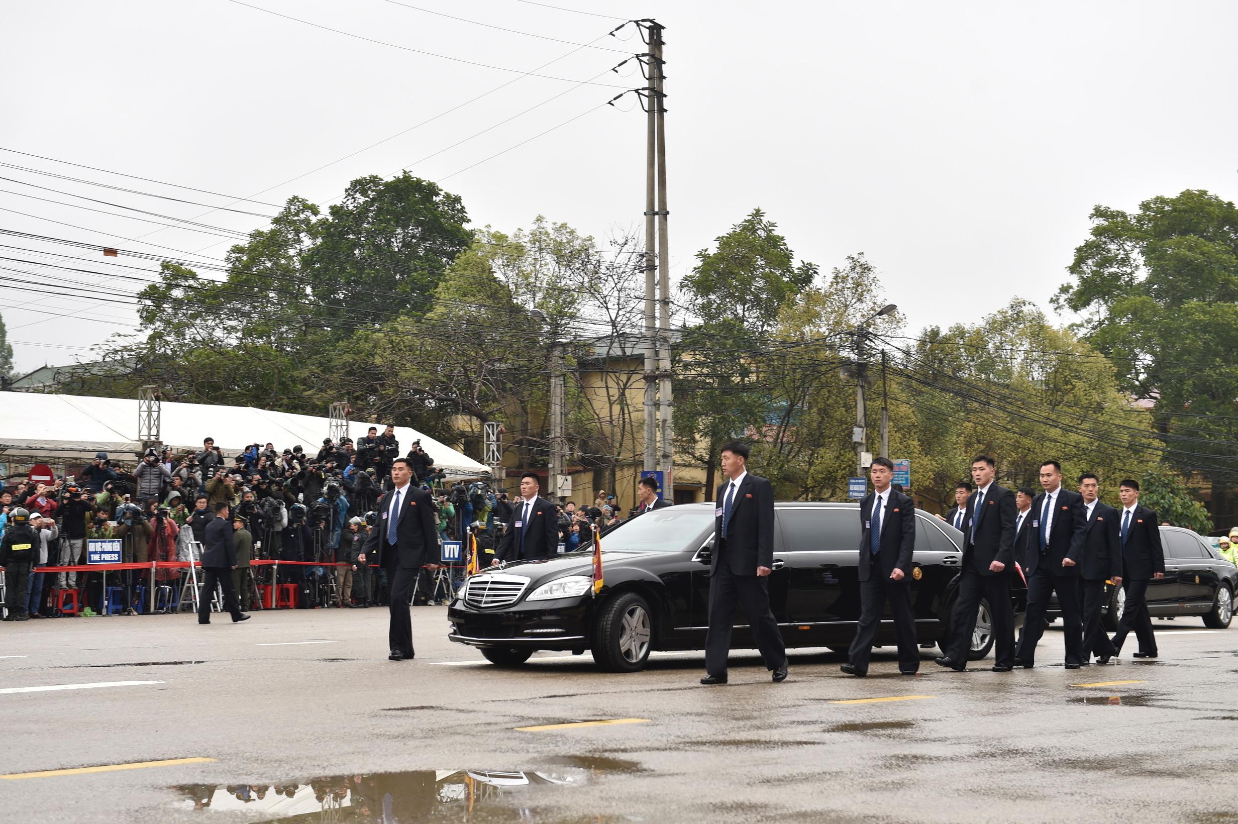 Những hình ảnh đầu tiên của Chủ tịch Triều Tiên Kim Jong-un tại Việt Nam 13