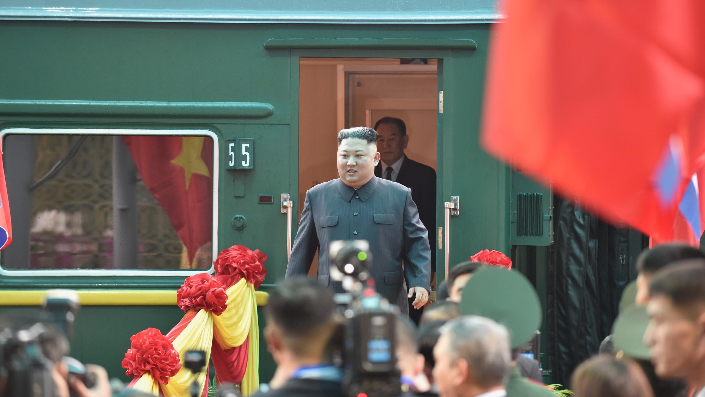 Những hình ảnh đầu tiên của Chủ tịch Triều Tiên Kim Jong-un tại Việt Nam 2