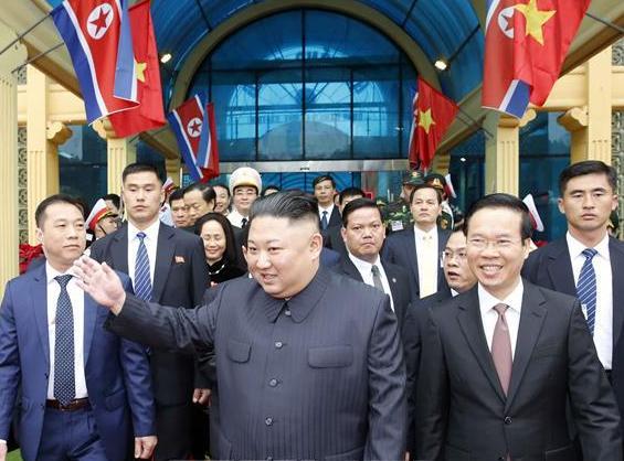 Những hình ảnh đầu tiên của Chủ tịch Triều Tiên Kim Jong-un tại Việt Nam 10