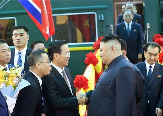 Những hình ảnh đầu tiên của Chủ tịch Triều Tiên Kim Jong-un tại Việt Nam 6