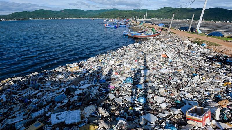 Hành vi du lịch vô ý thức đang hủy hoại tự nhiên