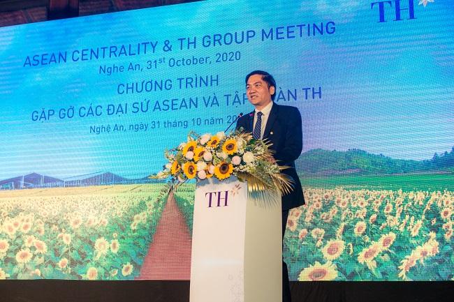 Trang trại bò sữa công nghệ cao của Tập đoàn TH trở thành điểm hẹn của các Đại sứ ASEAN