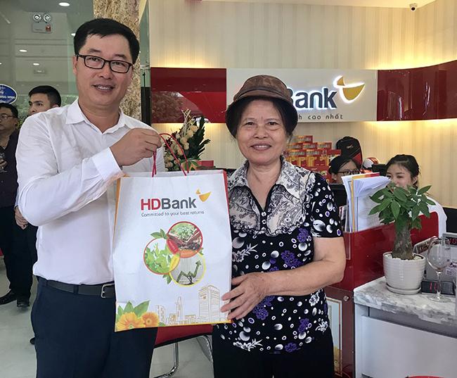HDBank khi trương chi nhánh tại Lộc Hà và Uông Bí