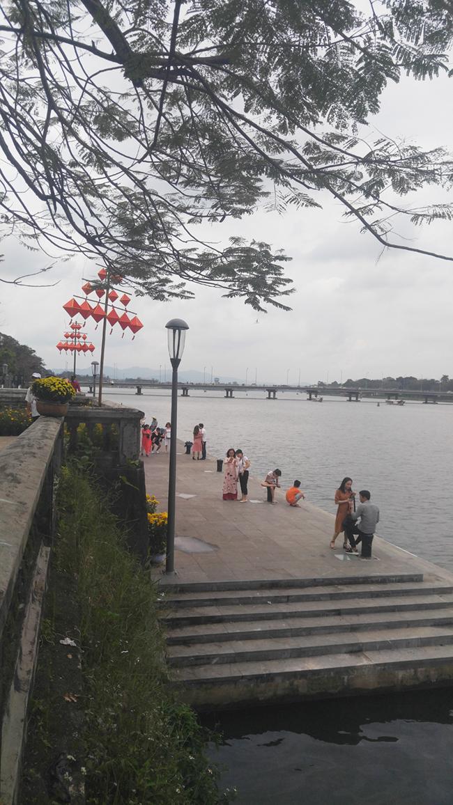 Cầu gỗ lim tiền tỷ trên sông Hương – địa điểm check-in hot nhất Tết 2019 ở Huế 5