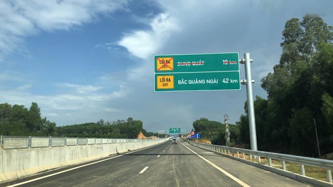 Cận cảnh cao tốc Đà Nẵng - Quảng Ngãi trước ngày thông xe 2