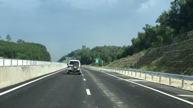 Cận cảnh cao tốc Đà Nẵng - Quảng Ngãi trước ngày thông xe 7