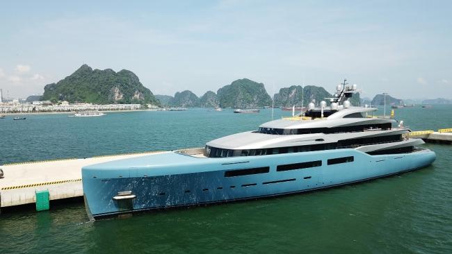 Siêu du thuyền 150 triệu USD của ông chủ CLB Tottenham tại vịnh Hạ Long 5