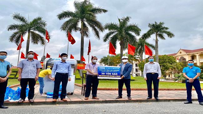 Hòa Bình ủng hộ 30 tấn gạo giúp đỡ đồng bào tại Hải Dương