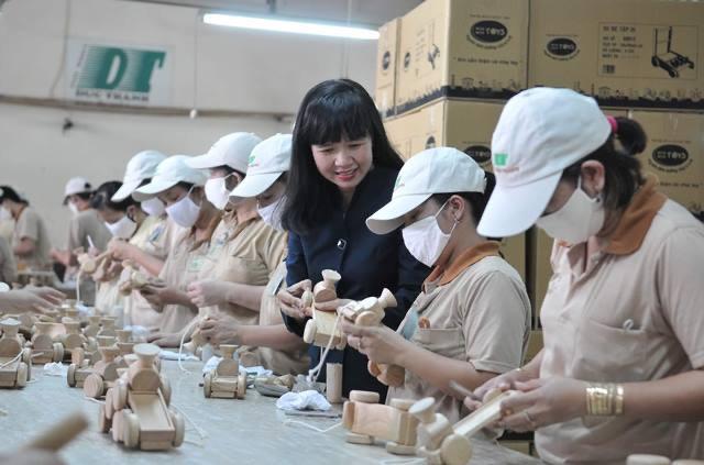 Bà Lê Hải Liễu, Chủ tịch HĐQT Gỗ Đức Thành: 'Trên thương trường, tôi như một con nhím' 2