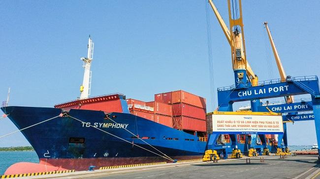 Thaco xuất khẩu 200 ôtô trong ngày đầu ra quân năm Tân Sửu