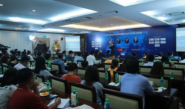 TS. Vũ Thành Tự Anh: Triển vọng kinh tế Việt Nam 2019 không quá tươi sáng 1