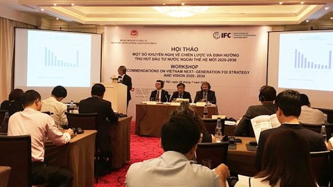 Chuyên gia lo ngại đề xuất đưa khối kinh tế tư nhân vào cơ quan quản lý FDI