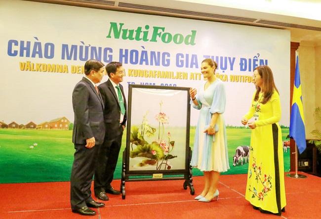 Công chúa kế vị Thụy Điển gặp gỡ Công ty NutiFood