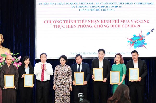 Tập đoàn Hưng Thịnh tài trợ 50 tỷ đồng mua vắc-xin Covid-19 1